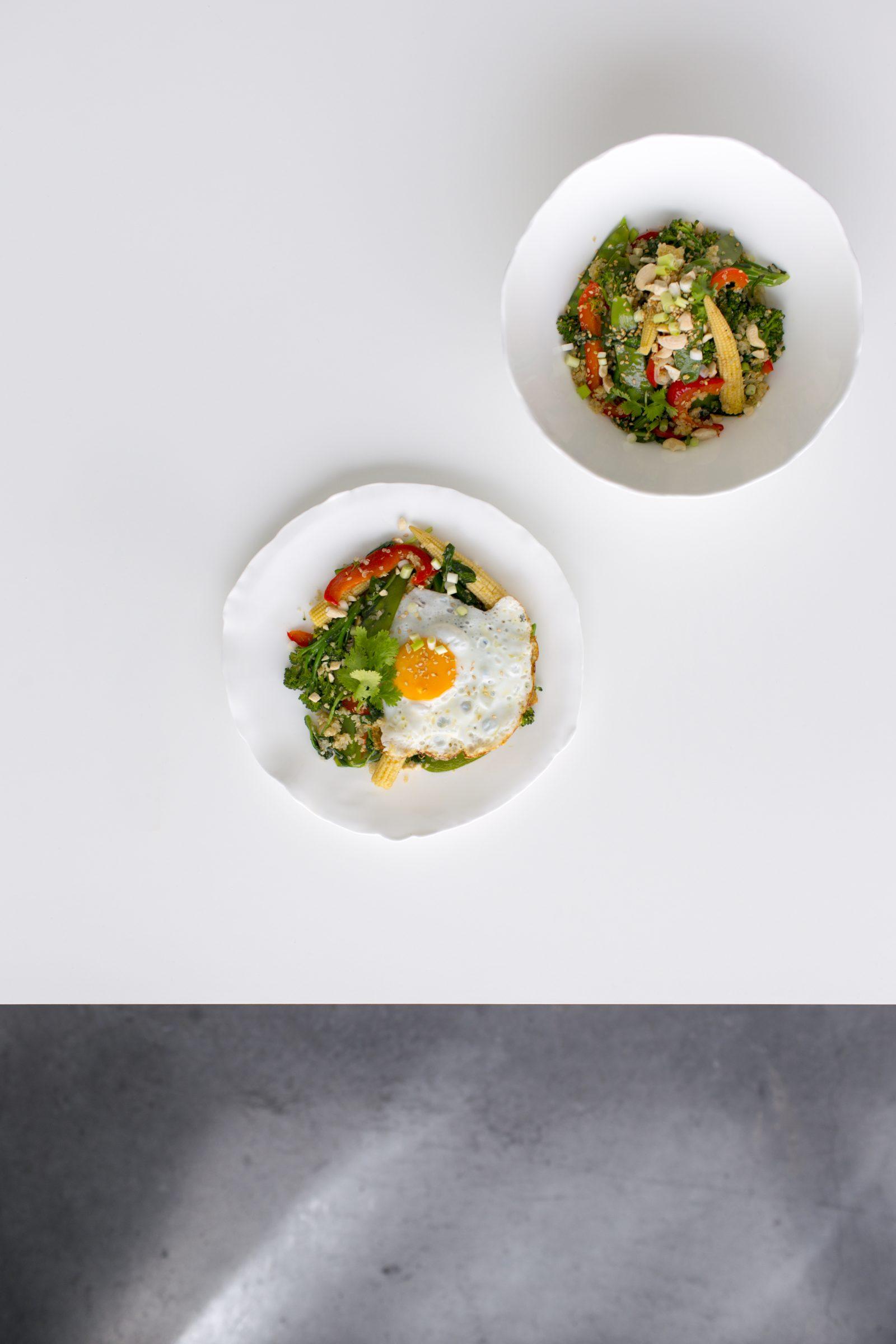 Dagen Zonder Vlees. Easy Egg-Quinoa-Stir-Fry