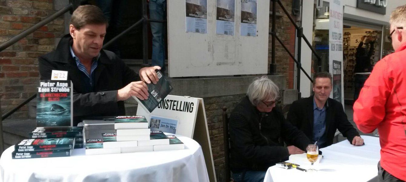 Fotoreeks. Pieter Aspe en Koen Strobbe in Blankenberge