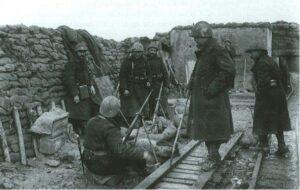 Dodengang - soldaten met geweergranaten